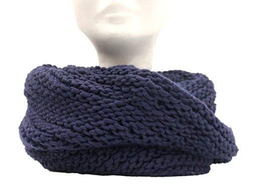 Scaldacollo fatto a maglia col. Blu