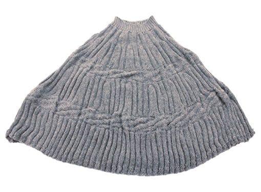 Poncho fatto a maglia col. Grigio