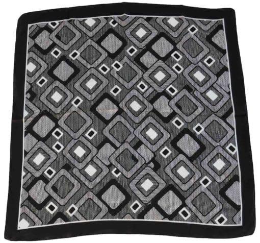 Foulard in seta con disegno geometrico col. Bianco e Nero